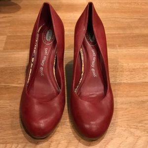 "Dr. Scholls ""feel crazy good"" red leather heel"